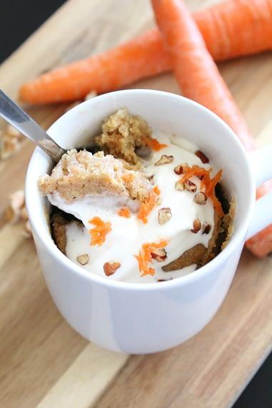 mug cake de zanahoria